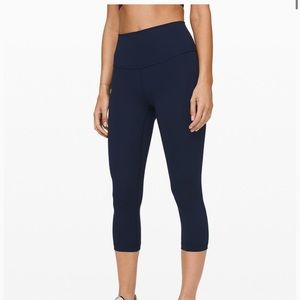 Lululemon cropped leggings size 6 BLACK